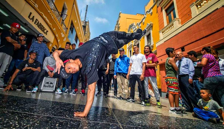 Los Extraordinarios Bailarines Urbanos