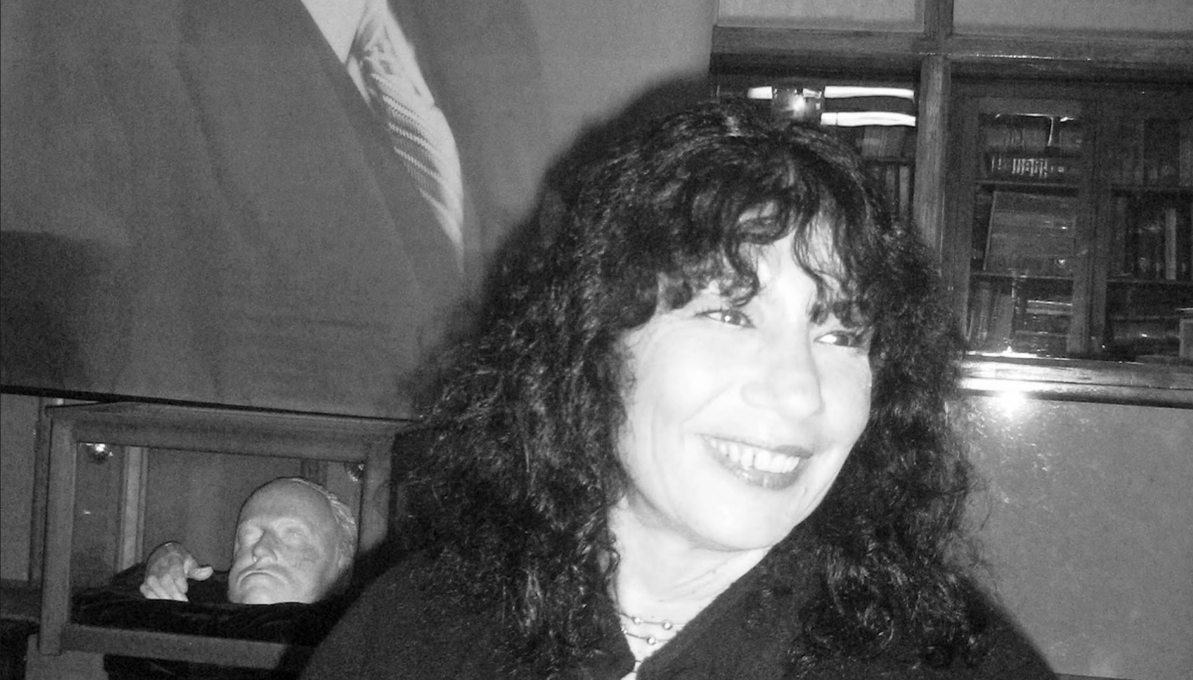Poesía: Dalmacia Ruiz Rosas